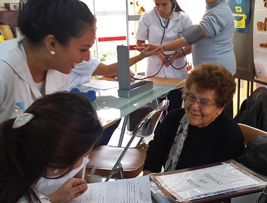 formacion de auxiliar de geriatria